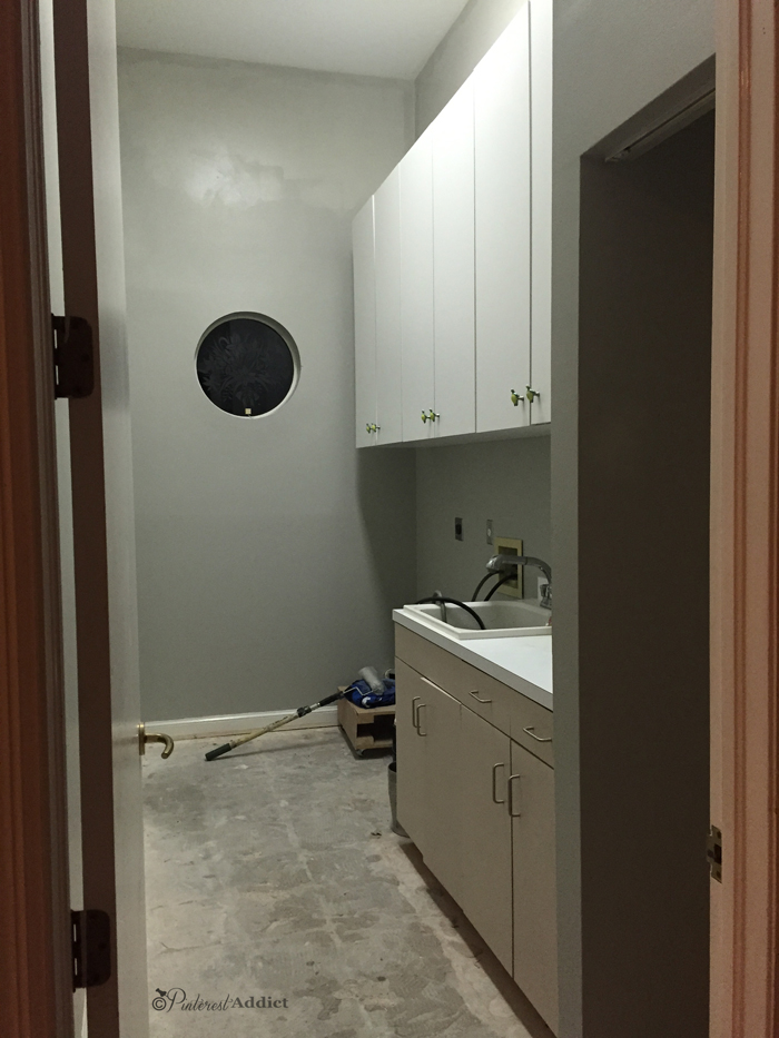 Laundry room Mindful gray Sherwin Williams