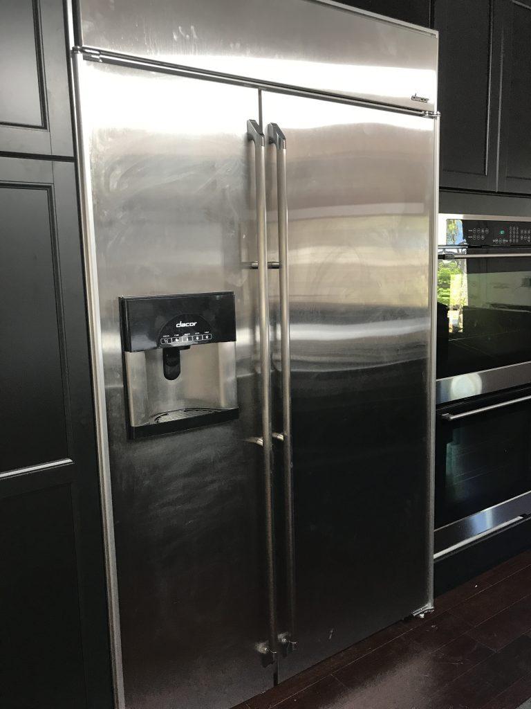 Big beautiful, worthless fridge dacor