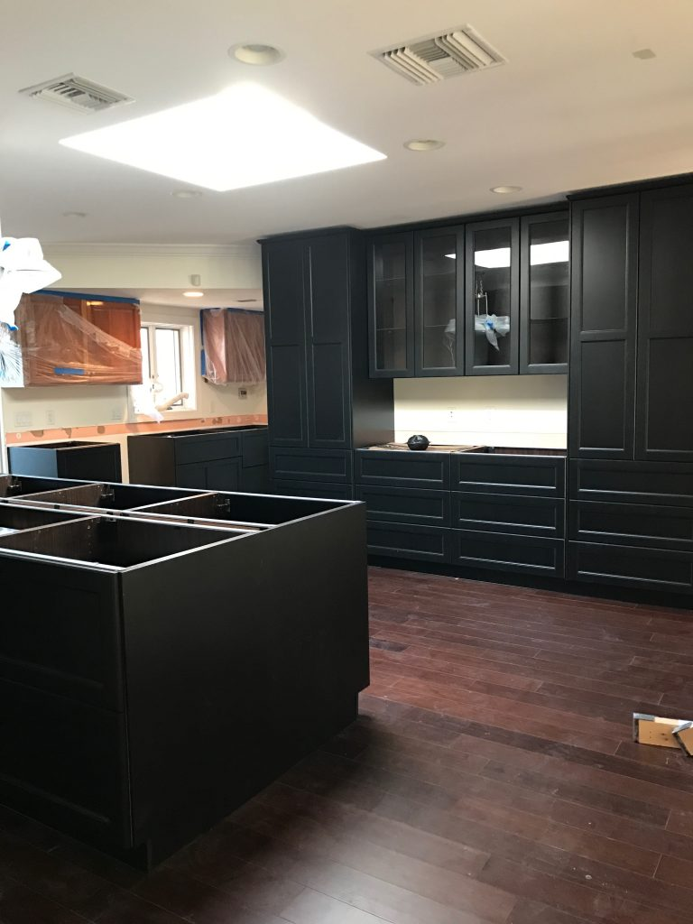 Ikea Kitchen cabinets - black laxarby - ORC -